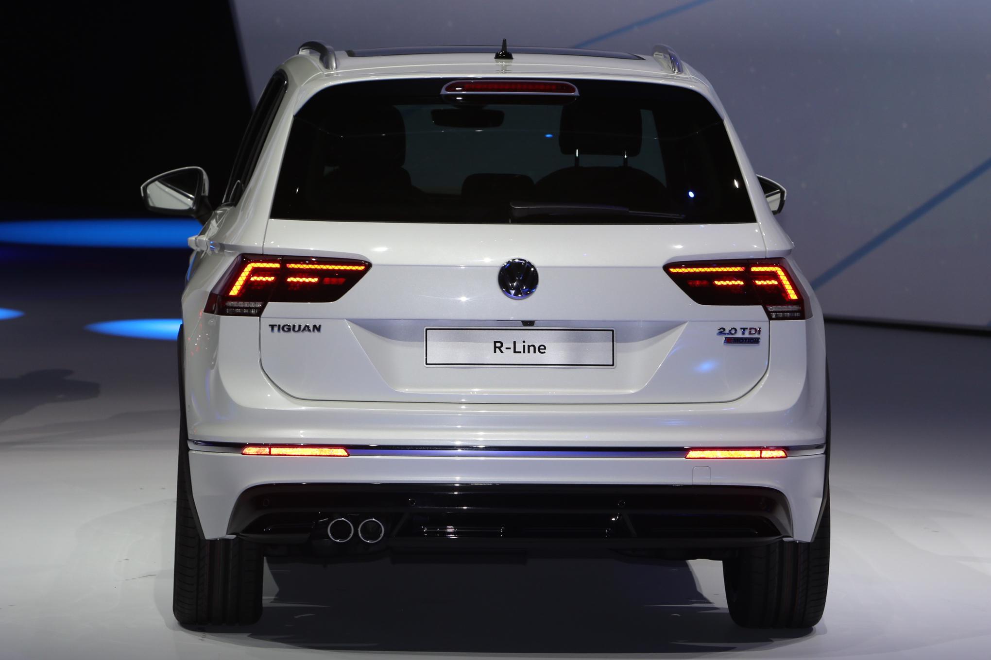 Volkswagen Tiguan 2017 phần đuôi